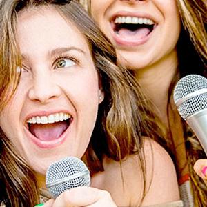 Comida karaoke despedida de soltero y soltera